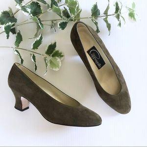 "Pappagallo Suede Heels 2"" Olive Green Size 8M"